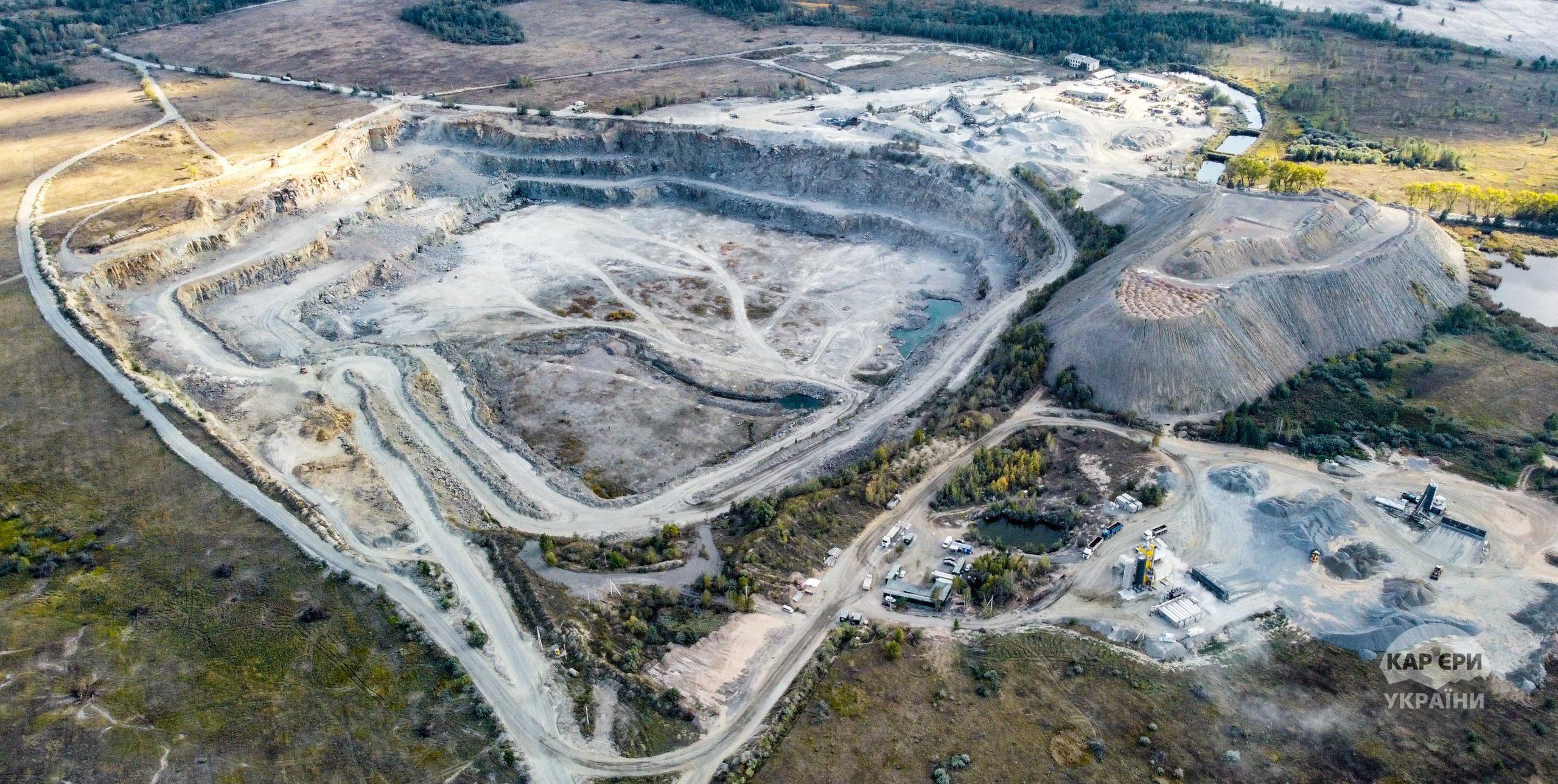 Автостраді дозволили купити Бехівський гранітний кар'єр